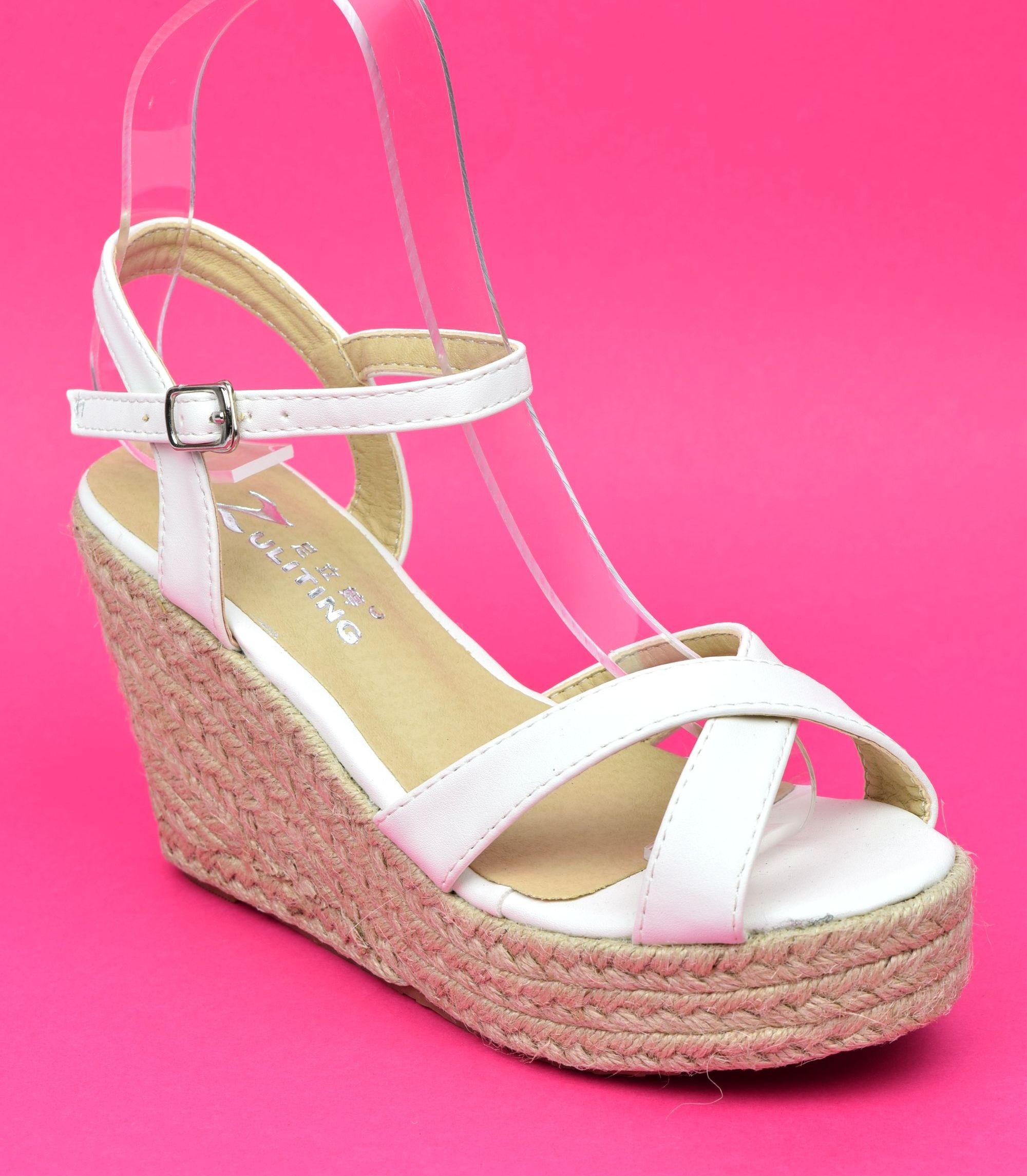 Sandales blanches, talons compensés, Lodelia, femmes petites pointures -  PETITS SOULIERS 8b59d9070c33