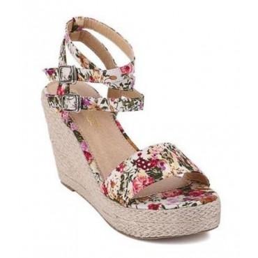 Sandales blanches, tissu fleuri, petites pointures, Romea