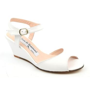 Sandales, cuir mat, blanches, talons compensés, 8830, Yves de Beaumond